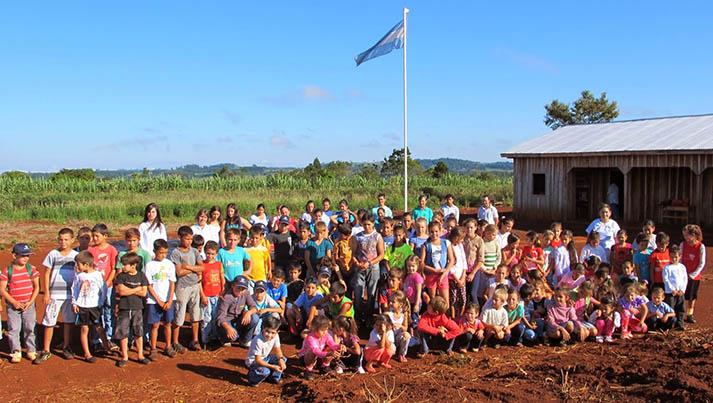 Fundación más (escuela rural)
